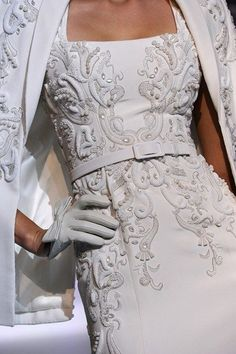 Embroidery baroque. Gorgeous.