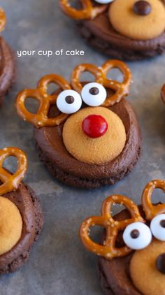 Rudolph Reindeer Cookies for Christmas!  Ah! I can't get over how cute and easy these are!