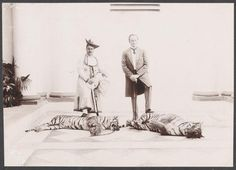 1901 :: Viceroy Lord Curzon & Maharaja Madhorao Scindia (Great Grand Father of Jyotiraditya) Posing with Dead Tigers--- madness