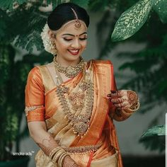 South Indian Wedding Saree, Bridal Hairstyle Indian Wedding, Indian Bridal Sarees, Wedding Silk Saree, Indian Bridal Outfits, Indian Bridal Fashion, Indian Bridal Wear, South Indian Bride Hairstyle, Bridal Updo