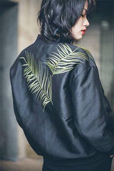 Japanese Embroidered Bomber Jacket Fyessss xx Erika M Creative Fashion Moda, Look Fashion, Fashion Details, Winter Fashion, Womens Fashion, Fashion Trends, Mode Style, Style Me, Embroidered Bomber Jacket