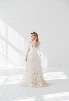 Two Piece Wedding Dress, Wedding Skirt, Wedding Dress Sleeves, Two Piece Dress, Wedding Dresses, Tulle Wedding, Bridal Skirts, Bridal Gowns, Celestial Wedding