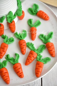 Marcepanowe marchewki