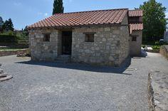 Der Archäologische Park Carnuntum im Juli 2014 - Lagerschuppen beim Haus des Lucius