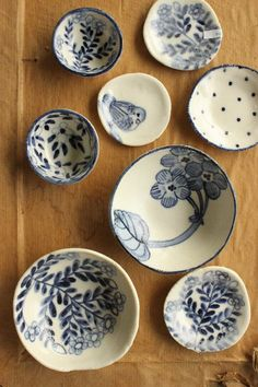Blue and White dishes Ceramic Clay, Ceramic Plates, Ceramic Pottery, Decorative Plates, Blue Pottery, Keramik Design, White Dishes, White Plates, Blue And White China