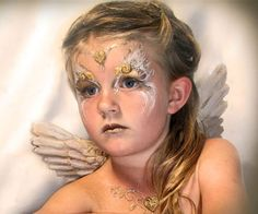angel paint face make up girls halloween Maquillage Halloween, Halloween Makeup, Halloween Face, Halloween Crafts, Halloween Ideas, Halloween Costumes, Face Painting Tips, Face Painting Designs, Face Paintings