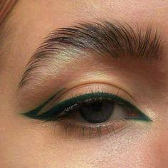 Makeup Eye Looks, Eye Makeup Art, Skin Makeup, Eyeshadow Makeup, Beauty Makeup, Makeup Drawing, Gold Makeup, Clown Makeup, Costume Makeup