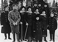 tsar | Tsar Nicholas with Tatiana, Olga, Marie, Anastasia and Alexei in 1916 ...