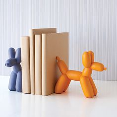 San Francisco Museum of Modern Art: Balloon Dog Bookend: The SF MoMAs  Balloon Dog Bookends ($40 each) may look like theyre full of hot air, but theyre actually sturdy enough to hold up a stack of your favorite books.