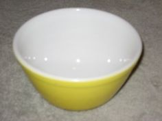 Vintage Pyrex  YELLOW  1 12 Pint Mixing Batter Nesting Bowl * Check out this great product.(This is an Amazon affiliate link and I receive a commission for the sales)