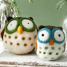 adorable felted owls to make with the kids