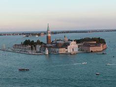 L'île de San Giorgio Maggiore vue depuis le haut du campanile de la place Saint Marc.