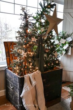 DIY Christmas...in an old box. ! By Funky Junk Interiors