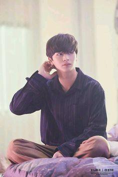 BTOB Yook Sungjae 'Beautiful Pain' M/V filming scene behind Jinyoung, Sungjae Btob, Im Hyunsik, Lee Minhyuk, Yook Sungjae Goblin, Asian Actors, Korean Actors, Sungjae And Joy, Who Are You School 2015