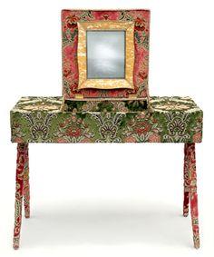 MARIE ANTOINETTE - wood, velvet, mirror