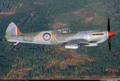 Supermarine 361 Spitfire LF16E aircraft picture