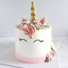 Unicorn cake (Unicorn Cake)