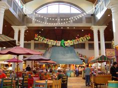 A quick service favorite at Disney's Coronado Resort, Pepper Market offers a wide variety of cuisines at their various chef stations.