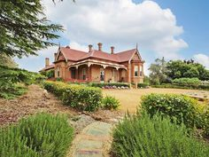 Brigadoon, Goulburn, NSW View property details and sold price of Brigadoon & other properties in Goulburn, NSW Beautiful Dream, Beautiful Homes, Queenslander House, Building An Addition, Australia House, Little Cottages, Edwardian House, Australian Architecture, Amazing Buildings