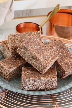 If you're after a perfect lunchbox snack, these Healthy Coco-Pop Bars are exactly what you need! Made with honey, chia seeds & coconut oil. Healthy Mummy Recipes, Healthy Snacks For Kids, Healthy Sweets, Healthy Cooking, Kid Snacks, Healthy Lunch Boxes, Sweet Recipes, Thermomix Recipes Healthy, Box Lunches