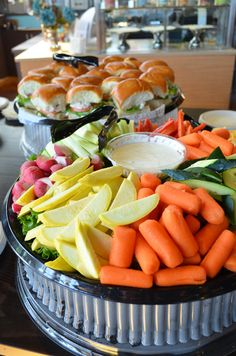 Looks perfect for a lunch meeting or summer bbq. Healthy and delicious. #woodycreek #catering