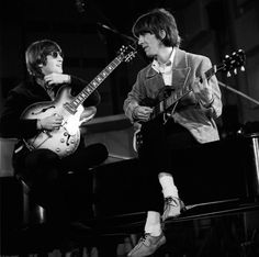 """Shooting the """"Paperback Writer"""" promotional video - The Beatles"""