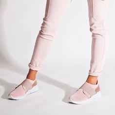 Life in Colour! Grumman sneakers 💕💕 New collection SS 2018  #fashion #sante #grumman #sneakers #santeshoes #fashionstyle  #shoebizz #ss18collection #shoebizzworld #shoebizzsignature #shoebizzladies #shoebizzlovers •Θα τις βρείτε στο κατάστημα μας, ,Αθ.Διακου 2 , Λαμια🔝🔝 •Για παραγγελίες: ☎️☎️Τηλ.Επικ:22310-24421 •Ή με inbox📩📩 •online > www.shoebizz.gr