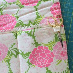 Learn how to create a sewing machine mat with pockets and scissors loop - and get more info on the gorgeous Sew Box Subscriptions sample box I used to make this project.