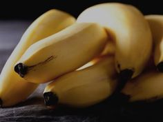 Bananenmousse met speculaas - Libelle Lekker Mousse, Nice Cream, Food Crafts, Mango, Trifle, Deserts, Healthy Recipes, Fruit, Mayonaise