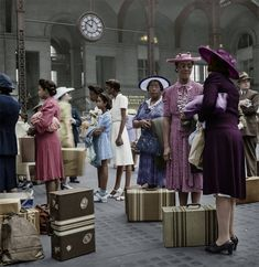 vintage everyday: Restored and Colorized Vintage Pictures – 45 Incredible Hand-Painting Photos of the Life in U.S in the 1940s by Marie-Lou Chatel