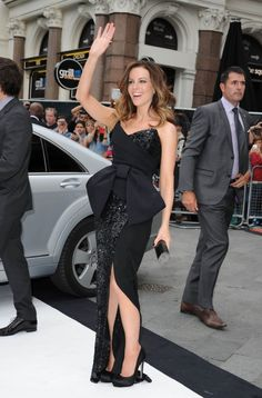 Kate Beckinsale Arrives At 'Total Recall' Premiere. Her bubbly appearance is just so adorable :)