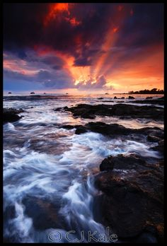 A beautiful Kona sunset. Shot using a split ND grad to balance exposure of sky and foreground! Beautiful Sunset, Beautiful World, Beautiful Places, Beautiful Scenery, Nature Pictures, Cool Pictures, Beautiful Pictures, Beach Pictures, Sunsets Hawaii