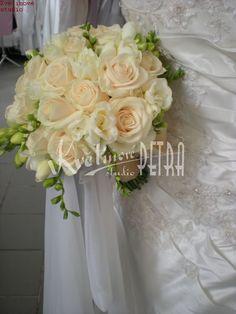 Svatební květiny   Svatební kytice z růží a fresií č. 425.   Květiny online, prodej a rozvoz květin