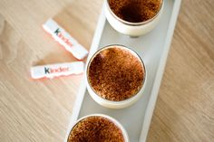 tiramisu-Kinder Tasty, Yummy Food, Creme Brulee, Something Sweet, Mousse, Sweet Tooth, Bakery, Healthy Recipes, Healthy Food