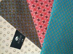 En web!!! Tela shweshwe africana. Con certificación de origen en su reverso, ancho 90 cm y 100% algodón.  #telasafricanas #telas #tiendatelas #telasonline #color #tapizar #moda #costura #coser #decor #handmadesewing #sew #sewing #tendencias #otoño Tie Clip, Sew, African, Trends, Colors