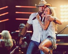 Two of my favorite country stars - Jason Aldean Carrie Underwood Country Music Artists, Country Music Stars, Country Singers, Country Boys, Country Life, Jason Aldean, I Love Music, Luke Bryan, Carrie Underwood