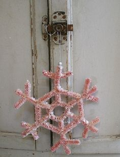 ♕ Pam Garrison's pink pipe-cleaner snowflake ~ instructions here: http://www.marthastewart.com/270251/pipe-cleaner-snowflake-ornaments?xsc=soc_pin_2013_12_10_Holiday_Christmas_C&crlt.pid=camp.ik3k4ybGuyoR