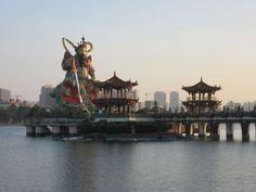 Kaohsiung, el lago Lotus y el monasterio Fo Guang Shan (Taiwán)