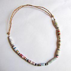 ***2******//// visitare.................///Giornale perline collana gioielli riciclati di PaperMelon