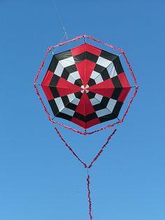 kinetic   kite | Bermuda Octagon kite photo second photo