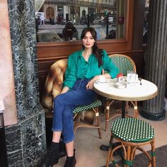 """in the """"High Rise Ankle Crop"""" French Girl Style, My Style, French Wardrobe Basics, French Chic Fashion, Parisian Summer, Parisienne Style, Europe Fashion, Fashion 2018, Pretty Outfits"""