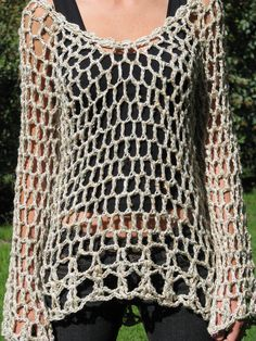 Fabulous Crochet a Little Black Crochet Dress Ideas. Georgeous Crochet a Little Black Crochet Dress Ideas. T-shirt Au Crochet, Cardigan Au Crochet, Pull Crochet, Black Crochet Dress, Crochet Shirt, Crochet Jacket, Chunky Crochet, Crochet Woman, Crochet Simple