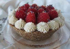 Little Raw Raspberry Cream Pie @FragrantVanillaCake