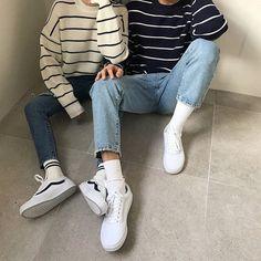 "Re-Ika: ""plain washed jeans "" mfash корейская мода, 90s Fashion Grunge, 90s Grunge, Grunge Style, Grunge Outfits, Mode Streetwear, Streetwear Fashion, Korean Fashion, Mens Fashion, Fashion Outfits"
