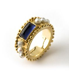 gold Byzantium ring with iolite garnet and pearls Rings Ideas : 18 kt. gold Byzantium ring with iolite garnet and pearls Byzantine Gold, Byzantine Jewelry, Ancient Jewelry, Old Jewelry, Pearl Jewelry, Jewelry Art, Antique Jewelry, Vintage Jewelry, Jewelry Accessories