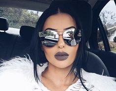 Girl With Sunglasses, Stylish Sunglasses, Cat Eye Sunglasses, Mirrored Sunglasses, Sunglasses Women, Girly Girl, Lunette Style, Eye Glasses, Sunnies
