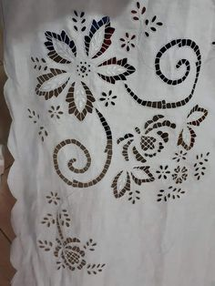 Cutwork Embroidery, Embroidery Transfers, Hand Embroidery Designs, Vintage Embroidery, Embroidery Patterns, Machine Embroidery, Knot Blanket, Blanket Stitch, Crochet Curtains
