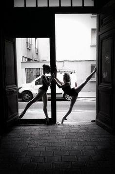 Stunning dancers to accompany stunning framing