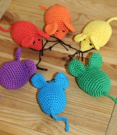 muisjes met nederlandstalige uitleg Diy Crochet, Crochet Hooks, Color Shapes, Mice, Rainbow Colors, Winnie The Pooh, Baby Kids, Diy And Crafts, Quilts