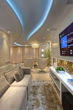 Sanca de Gesso: +80 Modelos e Dicas para Usar em 2020 New Ceiling Design, Ceiling Design Living Room, Bedroom False Ceiling Design, Home Ceiling, Home Room Design, Living Room Designs, House Design, Ceiling Ideas, Ceiling Fan